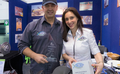 Eleni and Nick displaying the SAV EFF and Innovation Award at the Melbourne Boat Show
